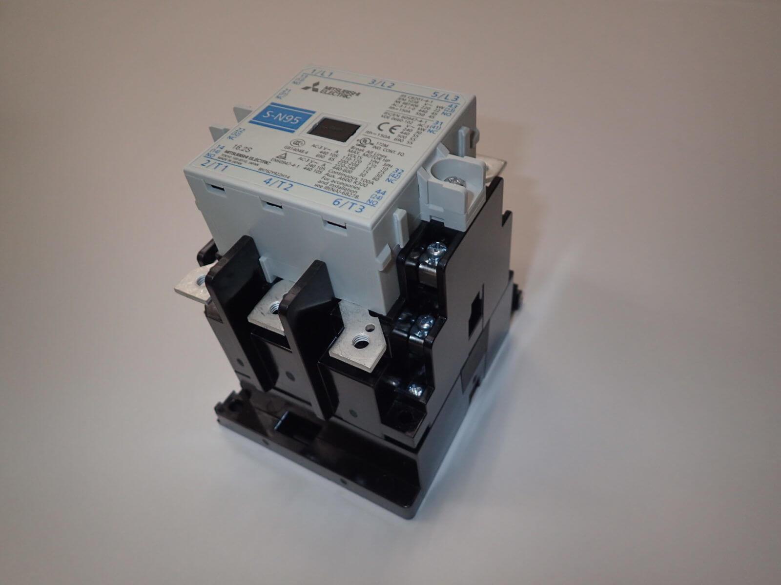制御盤製作時の部品選定(電磁開閉器、接触器、ソリッドステートリレー)