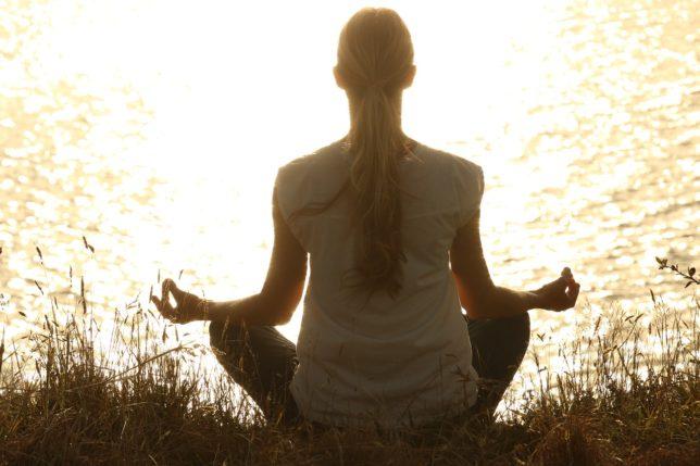 脳を休ませるには瞑想